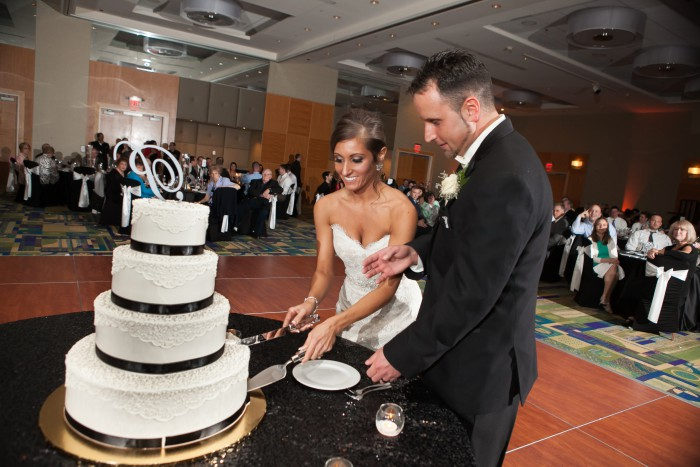 Classic Black and White Pittsburgh Wedding from Time Smart Images Featured on Burgh Brides