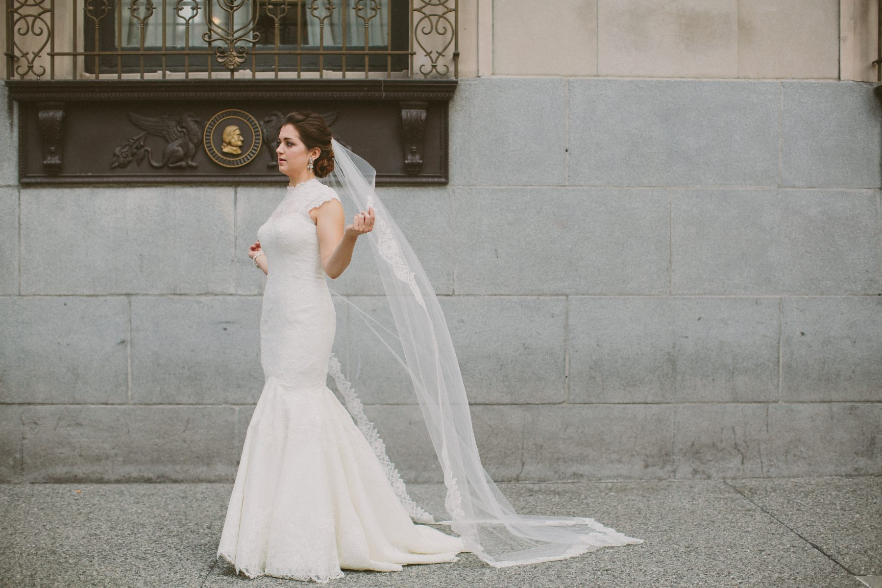 Simple Wedding Dresses Understated Bridal Gown Lwd With: Chic Understated Wedding At The Carnegie Music Hall: Nina
