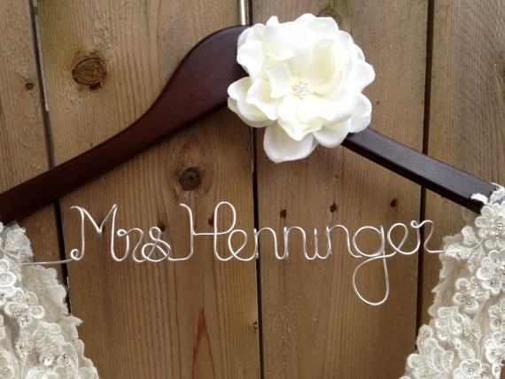 Favorite Etsy Wedding Finds from Burgh Brides