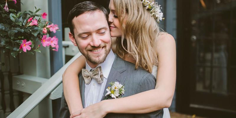 Charming Laid-Back Wedding at Morning Glory Inn: Molly & Jeffrey