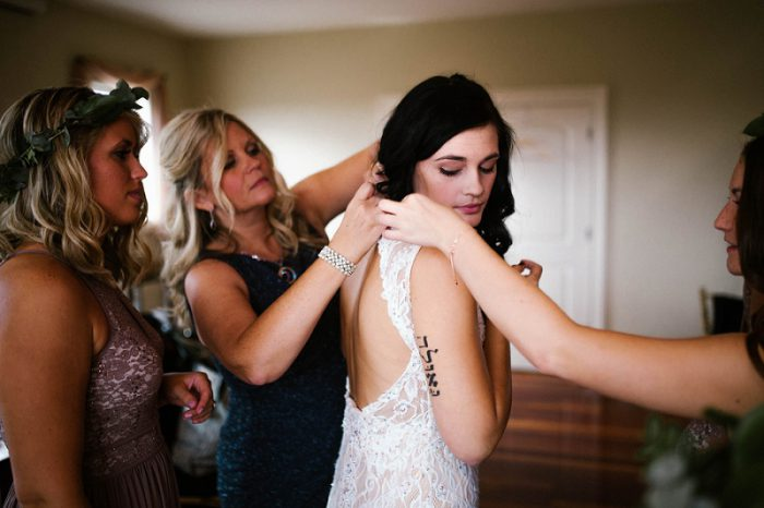 Earthy Boho Wedding from Lindsey Zern Photography featured on Burgh Brides