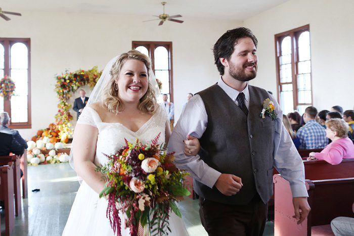 Absolutely Gorgeous Fall Wedding from Caryn Azure Photography featured on Burgh Brides