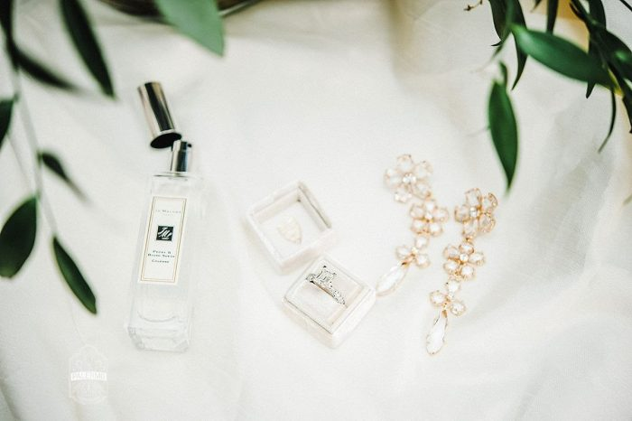 Wedding Day Accessories for Bride: Modern Garden Inspired Wedding at the Pittsburgh Golf Club from Palermo Photography featured on Burgh Brides