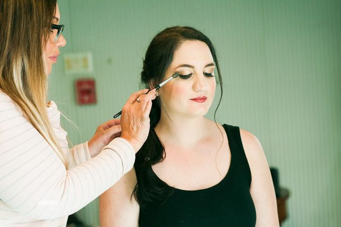 Bridal Makeup Ideas: Modern Garden Inspired Wedding at the Pittsburgh Golf Club from Palermo Photography featured on Burgh Brides