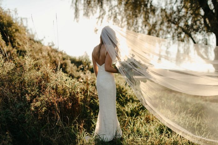 Bride Veil Photo: Rustic Modern Wedding at Nemacolin from David McCandless Photography featured on Burgh Brides