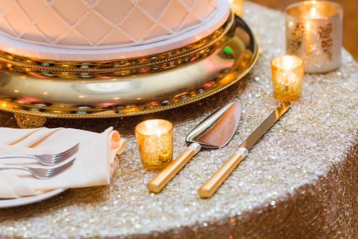 Wedding Cake Knives: v