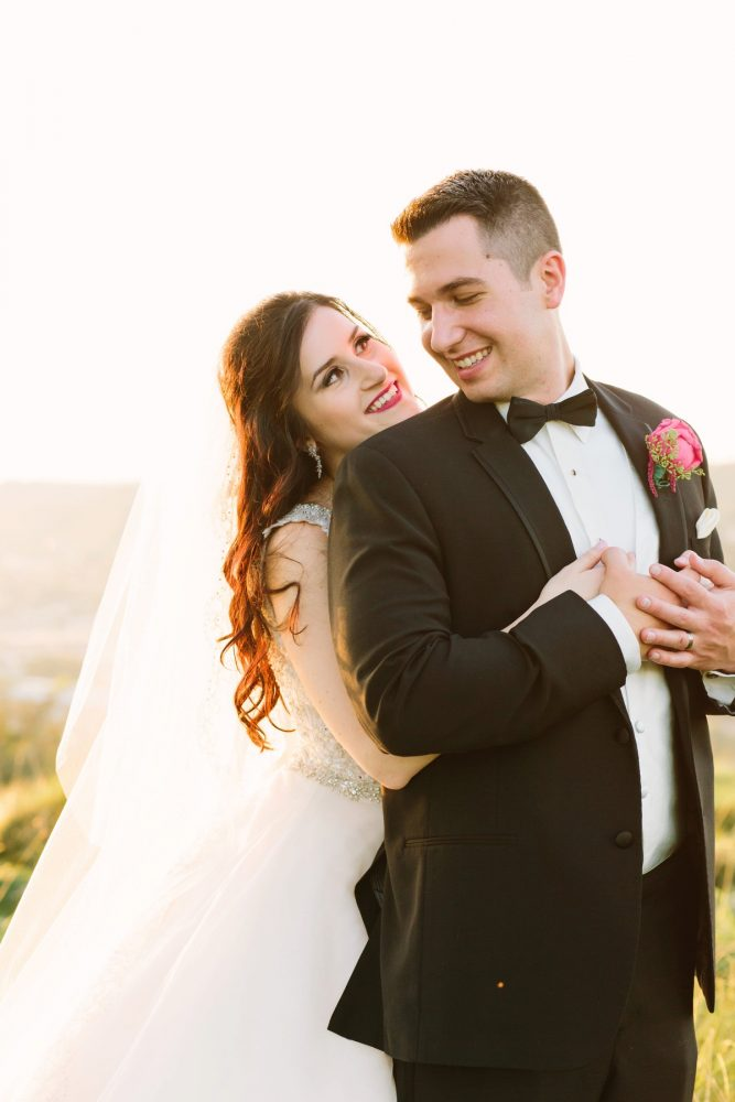 Sunset Wedding Portraits: Sparkly Gold Wedding at Longue Vue Club from Jeannine Bonadio Photography featured on Burgh Brides