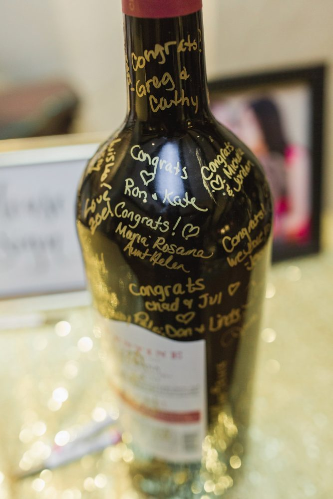 Wedding Guest Book Idea: Sparkly Gold Wedding at Longue Vue Club from Jeannine Bonadio Photography featured on Burgh Brides