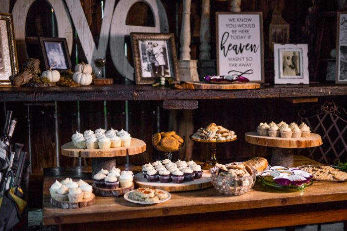 Wedding Desserts: Vivid Fall Wedding at Shady Elms Farm from Jenna Hidinger Photography featured on Burgh Brides