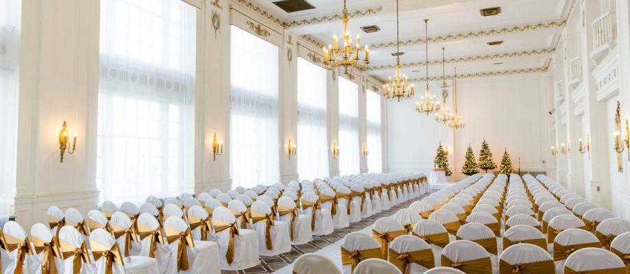 Magical Christmas Wedding at the George Washington Hotel