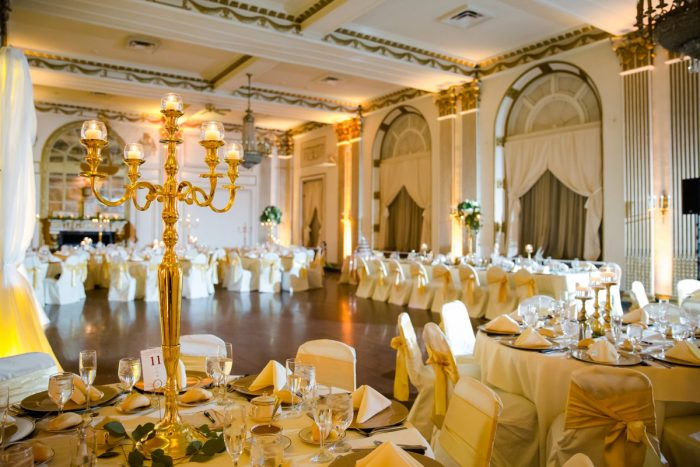 George Washington Hotel Wedding: Magical Christmas Wedding at the George Washington Hotel from Weddings by Alisa featured on Burgh Brides