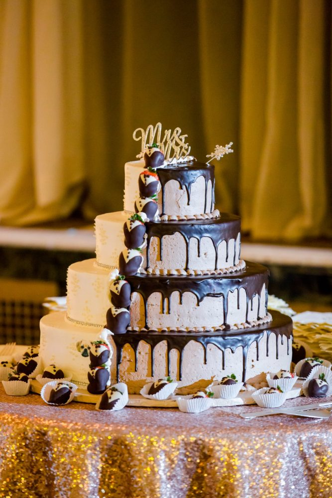 Chocolate and Vanilla Wedding Cake: Magical Christmas Wedding at the George Washington Hotel from Weddings by Alisa featured on Burgh Brides