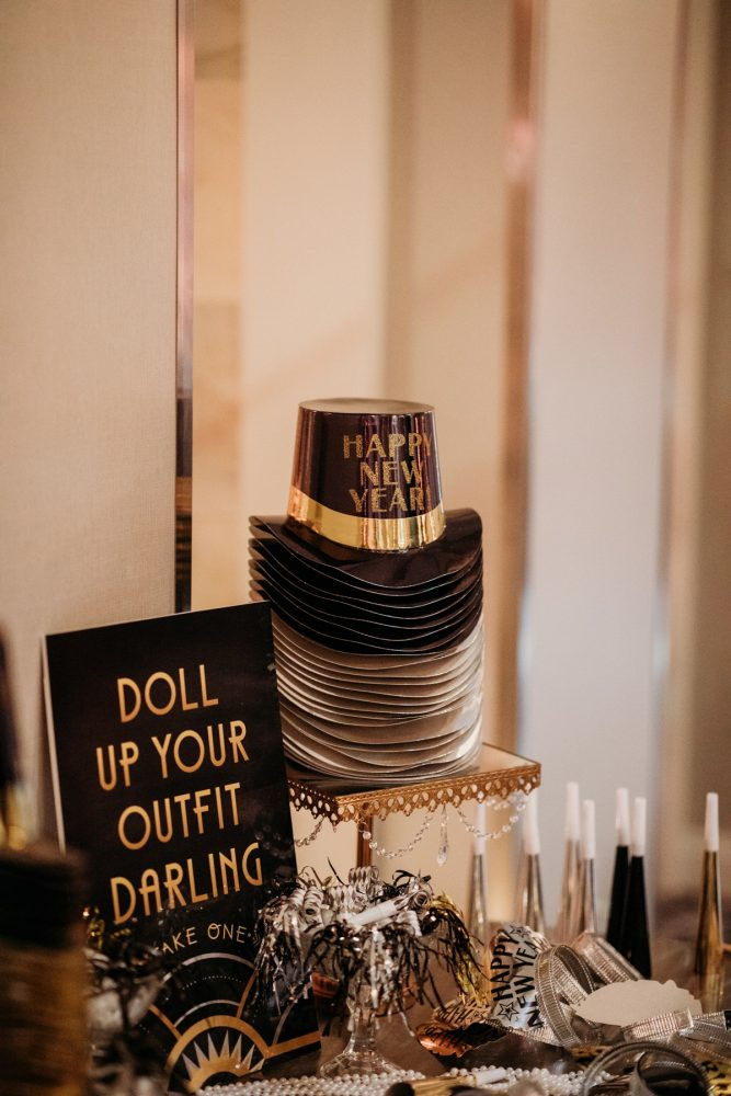 New years eve wedding party hats: Art Deco New Years Eve Pittsburgh Renaissance Hotel Wedding from Tyler Norman Photography featured on Burgh Brides