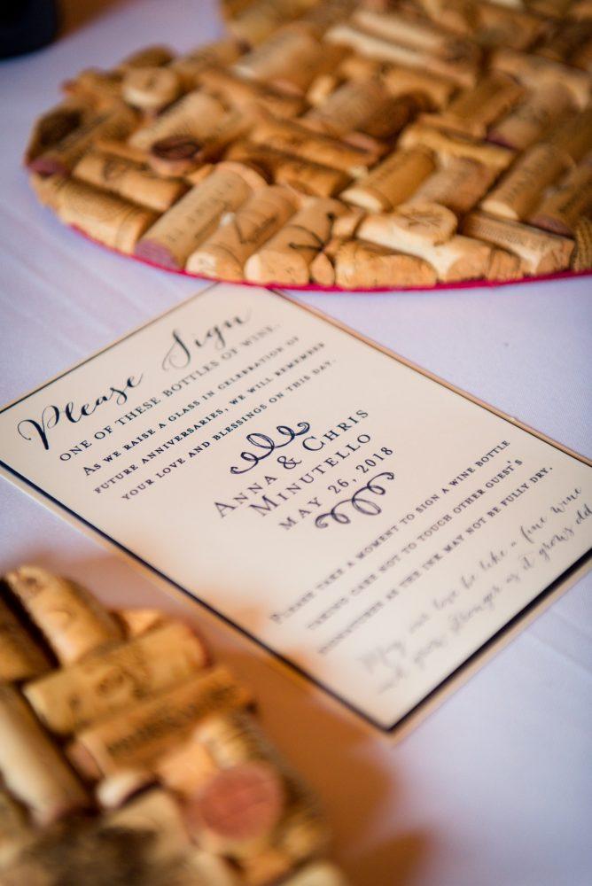 Wine wedding guest book: v