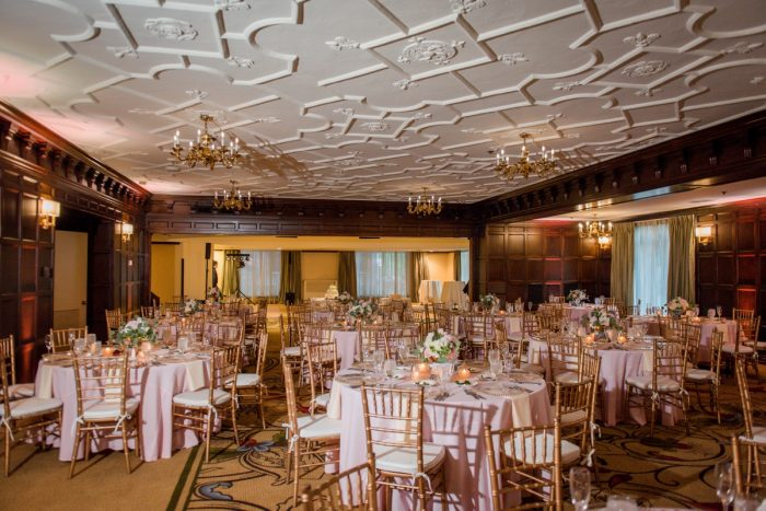Elegant Spring Omni William Penn Wedding from Leeann Marie Photography featured on Burgh Brides