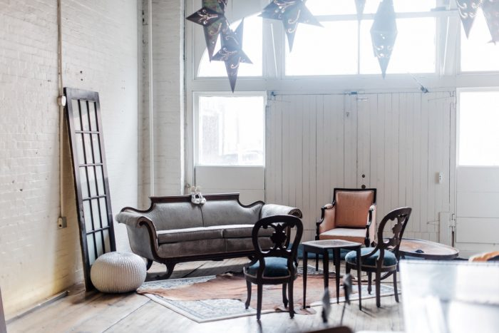 Vintage rentals lounge seating: Hip Eclectic Wedding Inspiration from Sky's the Limit Photography featured on Burgh Brides