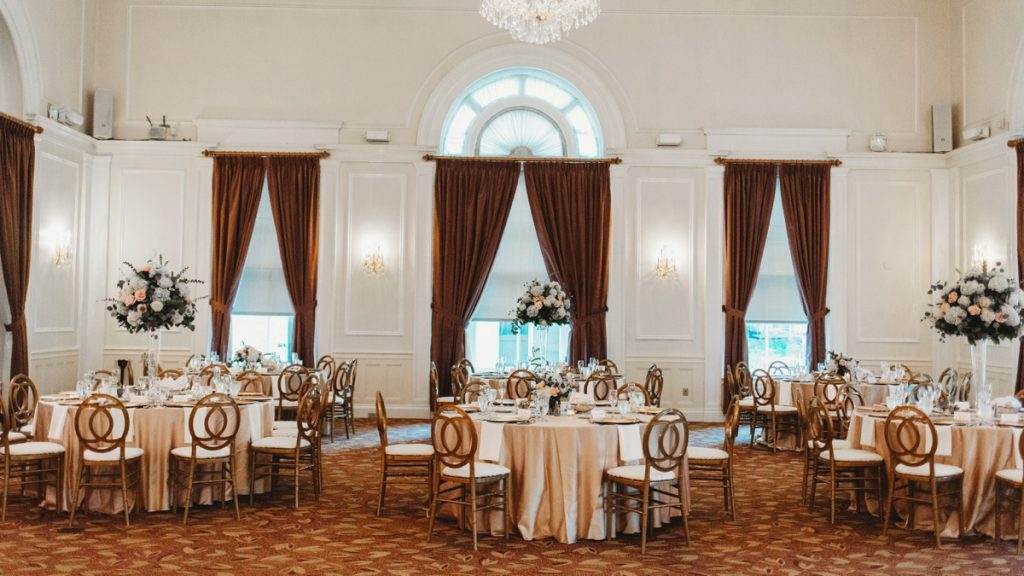 Traditional Yet Glam University Club Pittsburgh Wedding. For more wedding inspiration, visit burghbrides.com!