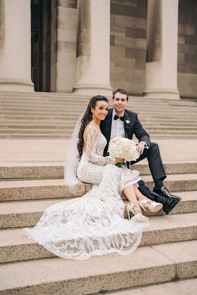 Exquisite Carnegie Museum Wedding that's Dripping in Gold. For more luxury wedding ideas, visit burghbrides.com!