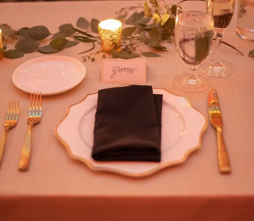 Creatively Chic Pennsylvanian Wedding. For more luxury wedding ideas, visit burghbrides.com!