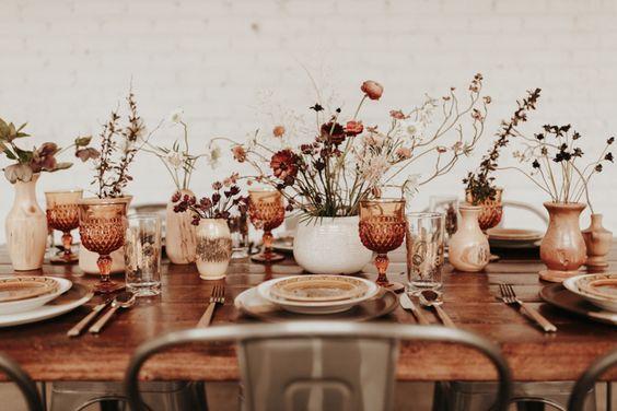 Modern Earth Tones Wedding Inspiration. For more wedding color ideas, visit burghbrides.com!