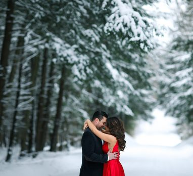 Picturesque Winter Engagement Session. For more winter wedding ideas, visit burghbrides.com!