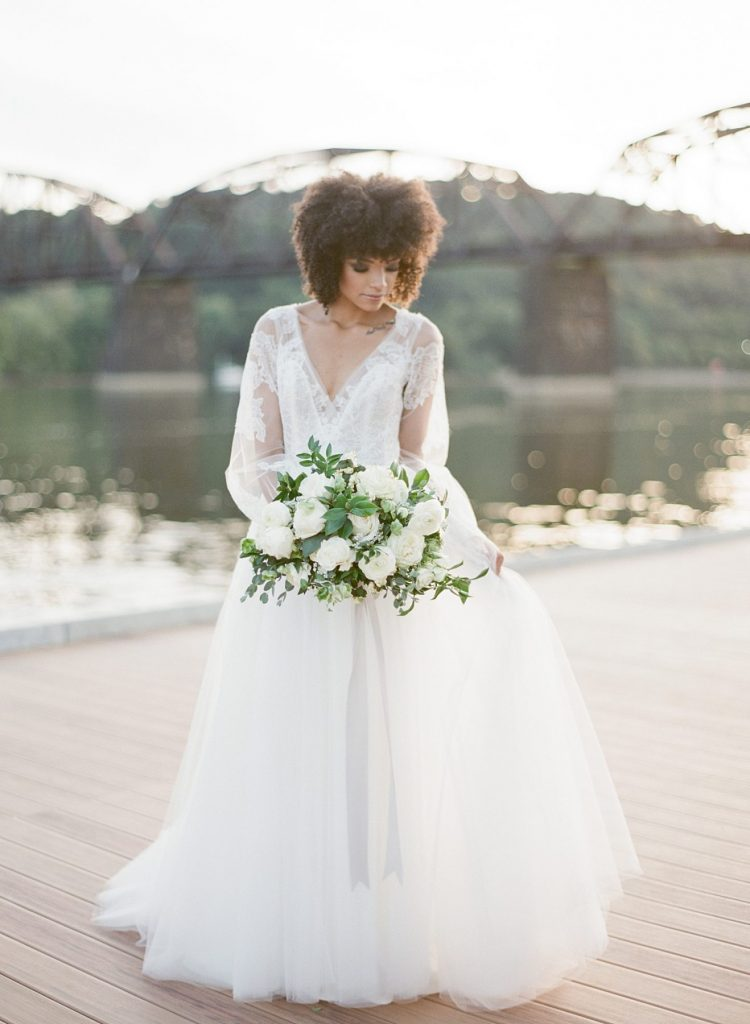 Crisp & Clean Wedding Inspired Styled Shoot. For more modern wedding inspiration, visit burghbrides.com!