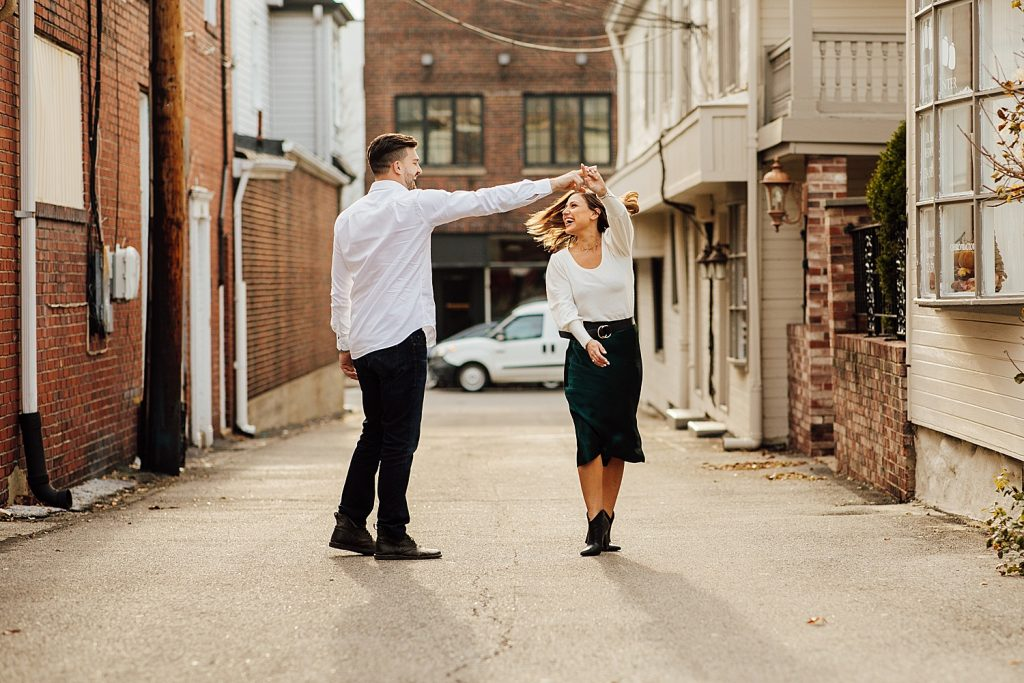 Effortlessly Cool Sewickley Engagement Session. For more Pittsburgh engagement ideas, visit burghbries.com!