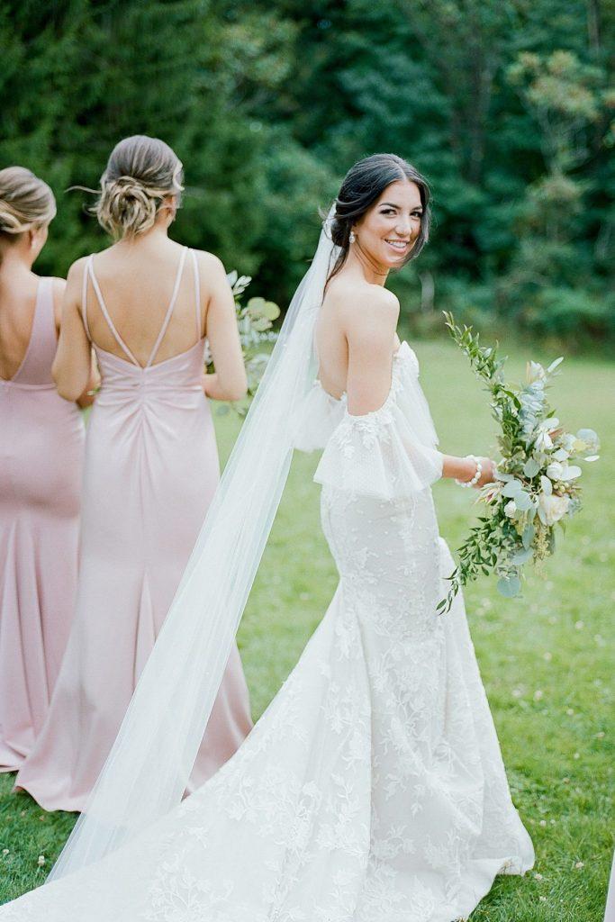 Mountain Chic Seven Springs Wedding. For more fine art wedding inspiration, visit burghbrides.com!