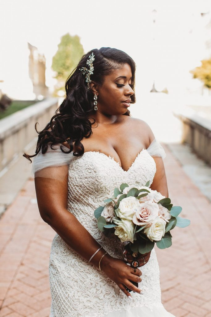 2020's Best Wedding Dresses from Real Pittsburgh Brides. For more stylish wedding dresses, visit burghbrides.com!