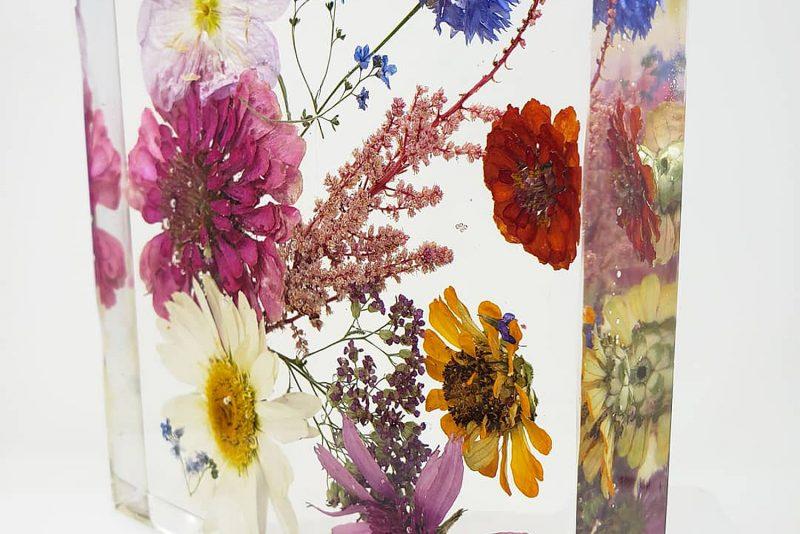 White Jasmine Lab - Pittsburgh Wedding Bouquet Preservation & Burgh Brides Vendor Guide Member