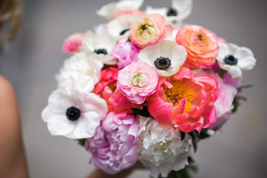 2020's Dreamiest Pittsburgh Wedding Flowers. For more wedding flower inspiration, visit burghbries.com!