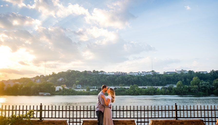 The BEST Engagement Photo Tips from Pittsburgh Photographers. For more wedding planning advice, visit burghbrides.com!