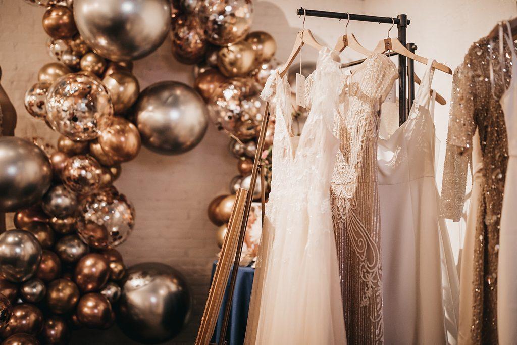 Starry Night Wedding Inspiration from The Big Fake Wedding Pittsburgh. For more modern wedding inspiration, visit burghbrides.com!