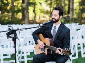 The Acoustic Crooner - Pittsburgh Wedding Acoustic Singer & Burgh Brides Vendor Guide Member